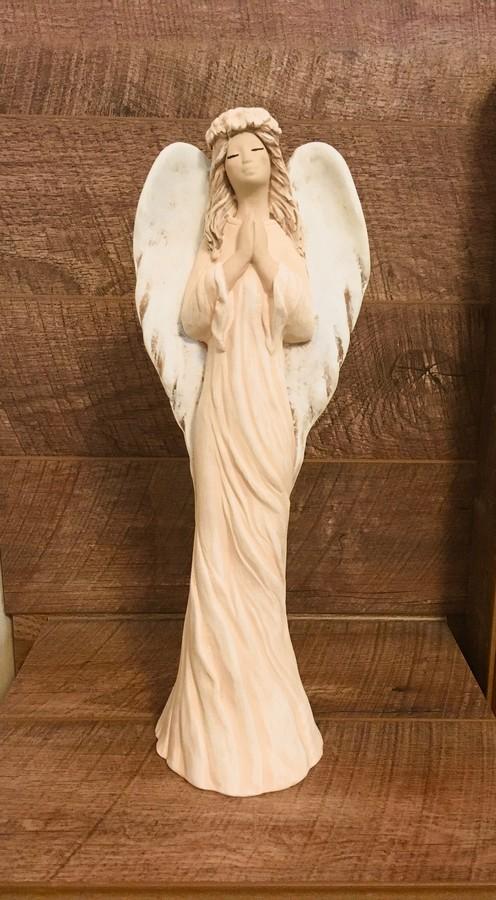 Imádkozó angyal, bézs ruhában